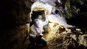 Defineciler 3 bin rakımdaki mağarayı tahrip etti