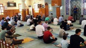 Deprem haftası nedeniyle cami cemaatine eğitim verildi