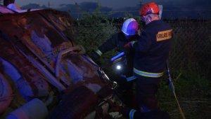 Elektrik direğine çarpan otomobil hurdaya döndü: 1 yaralı
