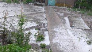 Eskişehir'e fındık büyüklüğünde dolu yağdı