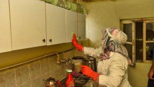 Evlerde temizlik hizmeti 15 ay sonra tekrar başlatıldı
