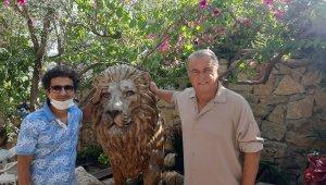 Fatih Terim evine aslan heykeli yaptırdı
