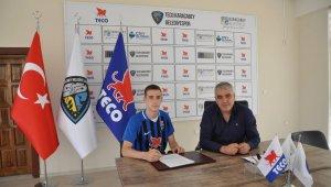 Fenerbahçeli eski futbolcu Mirkoviç'in oğlu, TECO Karacabey Belediyespor'da - Bursa Haberleri