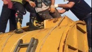 Girdikleri kazan içerisinde baygınlık geçiren 2 işçiyi itfaiye kurtardı