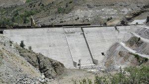 Gümüşhane'ye içme suyu sağlayacak olan Bahçecik Barajı'nın gövde yüksekliği yüzde 75'e ulaştı