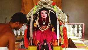 Hindistan'da 'Korona Tanrıçası' adlı bir tapınak kuruldu