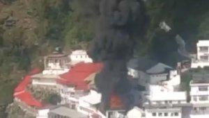 Hindistan'da tapınakta yangın