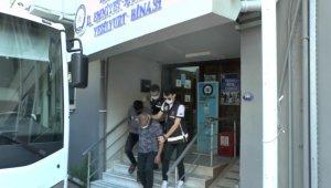 İzmir merkezli yasa dışı silah ticareti operasyonunda 11 tutuklama
