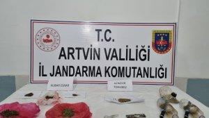 Jandarma Artvin'de kubar esrar yakaladı