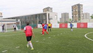 Kabakcı. Görme Engelliler Futbol Milli takımının antrenmanını izledi