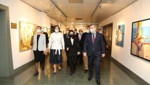 Kırgızistan Cumhurbaşkanı Caparov'un eşinden Gazi Üniversitesi'ne ziyaret