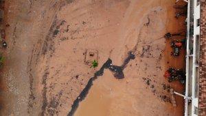 Kırıkkale'de sel felaketi: Çok sayıda ev ve iş yeri hasar gördü