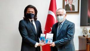 KMÜ öğretim üyesinin eserine 'en iyi kişisel gelişim kitabı ödülü'