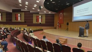 KMÜ'de protokol ve sosyal davranış kuralları eğitimi verildi