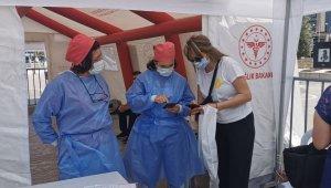 Kuşadası'nda aşı çadırı kuruldu