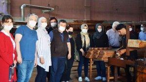 Kütahya Güzel Sanatlar MYO'da çini eğitimleri