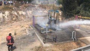 Mersin'de çocuk oyun parkı yandı