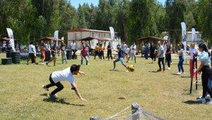 Mersin'de üniversite adayları Tarsus Gençlik Kampında stres attı