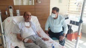 Milletvekili Fırat, hastanede babaların Babalar Günü'nü kutladı
