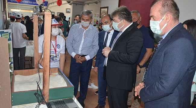 Öğrencilerin hazırladığı bilim fuarının sergisi açıldı