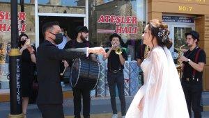 Ordulu damat Sivas'tan orkestra ile gelin aldı