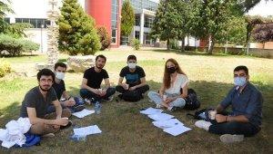 Rektörden öğrencilere çay ikramı