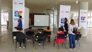 Rize'de miniklere 'Afet farkındalık eğitimi' veriliyor