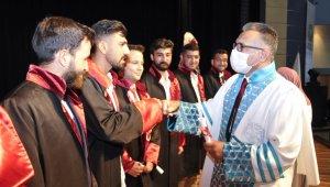 Selçuk Üniversitesinde mezuniyet sevinci