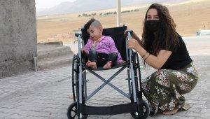 Silopi'de 5 ihtiyaç sahibi engellinin tekerlekli sandalye ihtiyacı giderildi