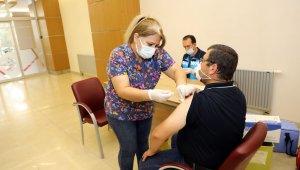 Talas Belediyesi personeline aşı