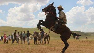 Terörden arındırılan 2200 rakımlı yaylada at yarışı heyecanı