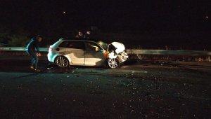 Ters yönde seyreden 200 promil alkollü sürücü tıra çarptı