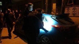 Trafikte tartıştıkları araca ateş açtılar: 1 ölü, 1 yaralı