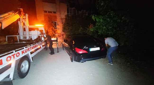 Trafikte terör estiren maganda lüks aracını bırakıp kayıplara karıştı
