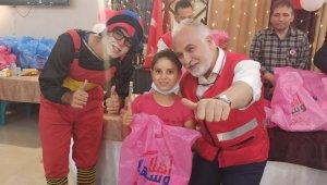Türk Kızılay, Gazze'deki yetimlere yardımlarına devam ediyor