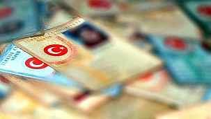 Türk vatandaşları, eski tip kimlik kartıyla KKTC'ye gidemiyor