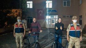 Türkiye turuna çıkan İsviçreli turistlerin bisikletlerini çaldılar