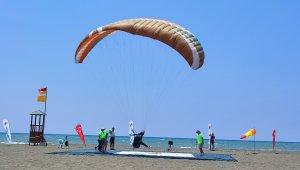 Türkiye Yamaç Paraşütü Hedef Yarışması'nın üçüncü etap yarışları tamamlandı