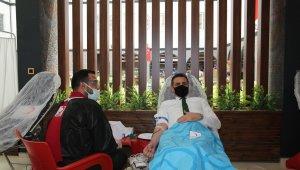 Van polisi Kızılay'a kan bağışında bulundu