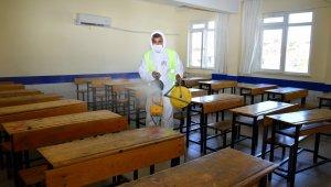 YKS öncesi okullar dezenfekte edidi