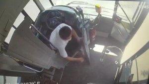 Yolcu otobüsünü sağa çekip yangına müdahale etti