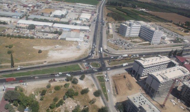İzmir'de jandarma ekiplerinden helikopterli trafik denetimi