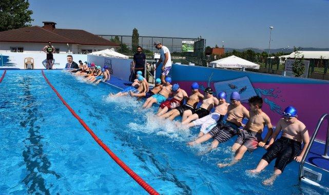 Yıldırımlı çocukların havuz keyfi - Bursa Haberleri