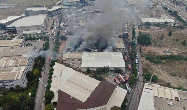 Bursa'da tekstil fabrikasındaki büyük yangın 3 saatin sonunda kontrol altına alındı - Bursa Haberleri