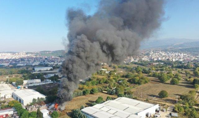Buzdolabı geri dönüşüm deposunda büyük yangın - Bursa Haberleri
