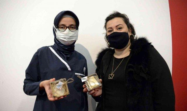 Kursiyerlerden sağlık personeline organik sabun - Bursa Haberleri