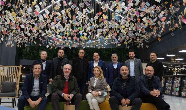 Turkuvaz Medya'dan Avrupa'nın en büyük kitabevine ziyaret - Bursa Haberleri