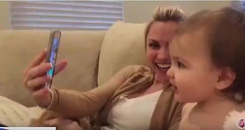 Sevimli Bebeklerin Görüntülü Konuşması