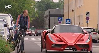 Bu Ferrari başka :)